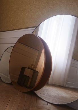 AYTM - Mirror - CIRCUM round - Clear/Walnut Small