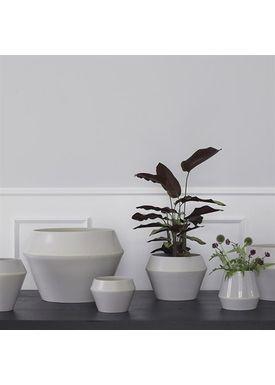 By Lassen - Flowerpot - Rimm Flowerpot - Cool Grey Mega