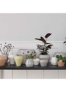 By Lassen - Vase - Rimm Vase - White Short