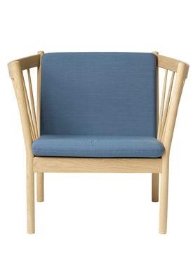 FDB Møbler / Furniture - Lænestol - J146 af Erik Ole Jørgensen - Eg/Dusty Blå