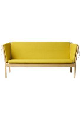 FDB Møbler / Furniture - Sofa - J149 3 pers af Erik Ole Jørgensen - Eg/Okkergul