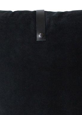 Louise Smærup - Cushion - Velourpude - Black - 50 x 50 cm