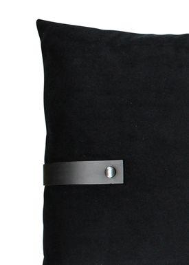 Louise Smærup - Cushion - Velourpude - Black - 50 x 80 cm