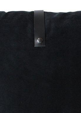 Louise Smærup - Cushion - Velourpude - Black - 65 x 65