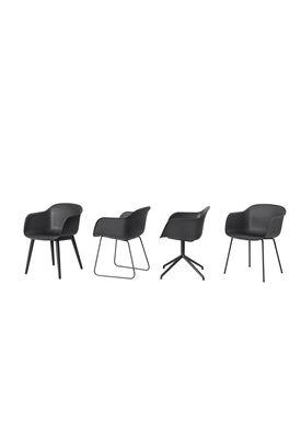 Muuto - Chair - Fiber Chair - Wood Base - black/Black Base