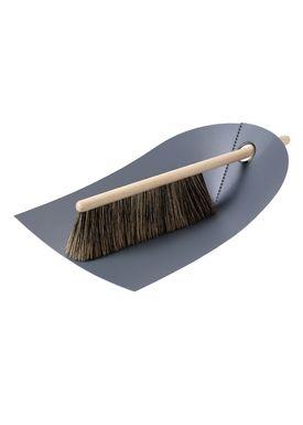 Normann Copenhagen - Dustpan & Broom - Dustpan w. broom - Dark grey