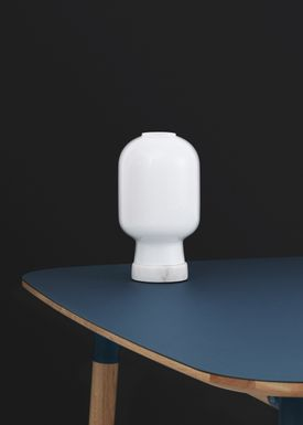 Normann Copenhagen - Lamp - Amp Table Lamp - Opal White/White marble