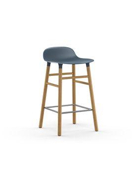 Normann Copenhagen - Stol - Form Barstool - 65 cm - Blå/Eg