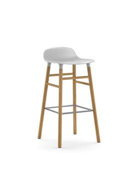 Normann Copenhagen - Stol - Form Barstool - 75 cm - Hvid/Eg