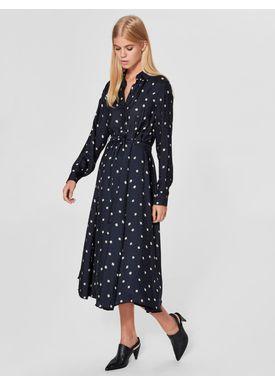 Ganni - Klänning - Alima Long Dress - Dark Sapphire/Tan Flower