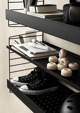 String - Hylde - Metal Shelf w/ High Edge - Black