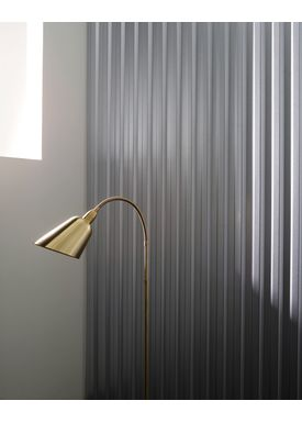 &tradition - Floor Lamp - Bellevue / AJ7 by Arne Jacobsen - Brass