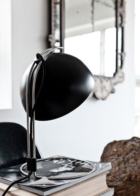 &tradition - Lamp - Flowerpot table lamp - VP4 by Verner Panton - VP4 - matt black