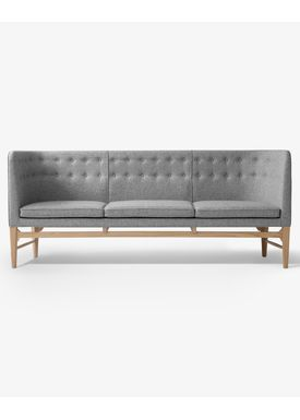 &tradition - Couch - Mayor Sofa by Arne Jacobsen & Flemming Lassen / AJ5 / AJ6 - AJ5 / 3 seater w. oak / L200