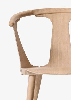 &tradition - Chair - In Between Chair / SK1 / SK2 - White oiled oak / SK1