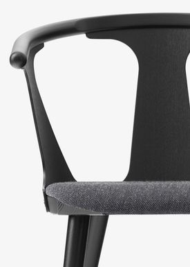 &tradition - Chair - In Between Chair / SK1 / SK2 - Black lacquered oak with Fiord 191 / SK2