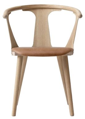 &tradition - Chair - In Between Chair / SK1 / SK2 - White oiled oak with Cognac Silk leather / SK2