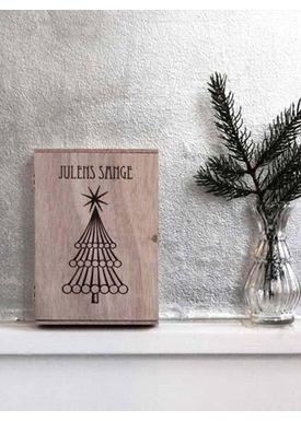 ViSSEVASSE - Christmas Ornaments - Julesanghæfte i Cigarkasse - Træ m/messing